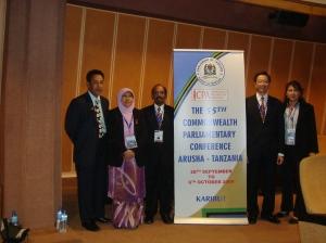 Delegasi dari Dewan Negeri Selangor; dari kiri: SU Dewan Negeri Selangor, Timbalan Speaker YB Haniza, Speaker YB Teng, isteri Speaker